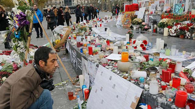 A memorial site in Paris, commemorating the victims of the November 13 terror attacks. (Photo: AP)