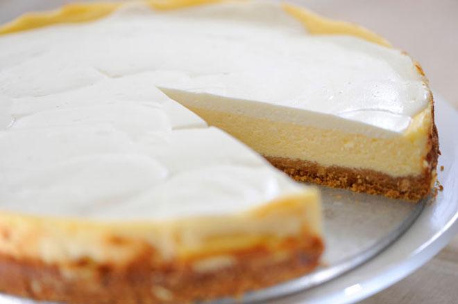 עוגת גבינה אחרת. נעמי טוענת שהעוגה שלה יותר טובה (צילום: דודו אזולאי)