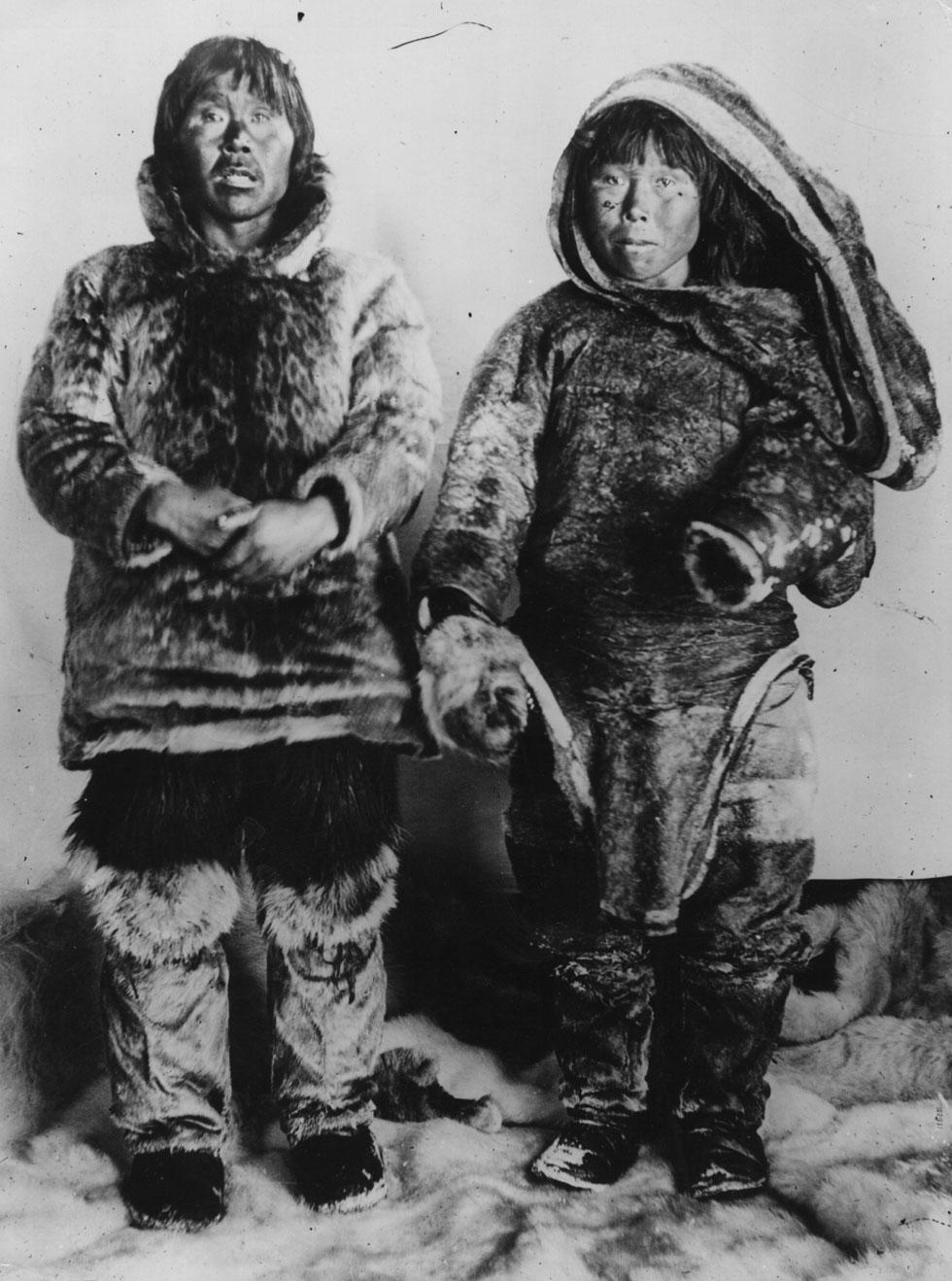 לא עניין של אופנה. ילידים אינואיטים בשנת 1914 (צילום: gettyimages)
