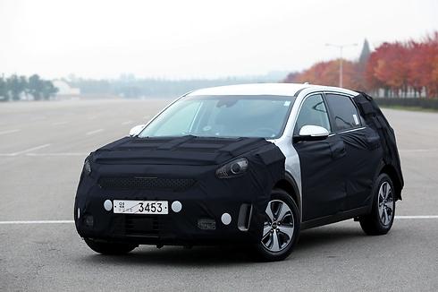 קיה נירו, מכונית הכלאיים הייעודית הראשונה של קיה ()