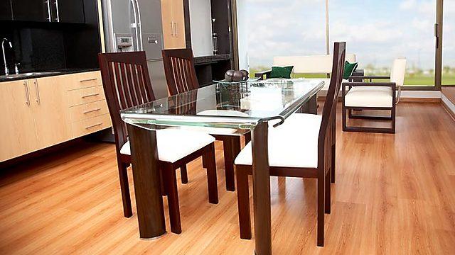 אילוסטרציה. מעוניינים לרכוש רהיטים חדשים? חנויות אונליין יחויבו לסמן הרכב רהיטי עץ באינטרנט (צילום: index open) (צילום: index open)