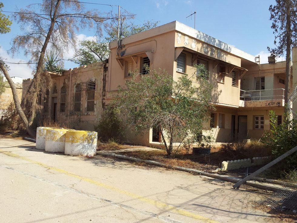 מחנה ורד בלב העיר העתיקה בבאר שבע. 17 דונמים שמחכים לייעוד החדש שלהם, שמקדמת המכללה בימים אלה (צילום: מנהל מחוז דרום מועצה לשימור אתרים)
