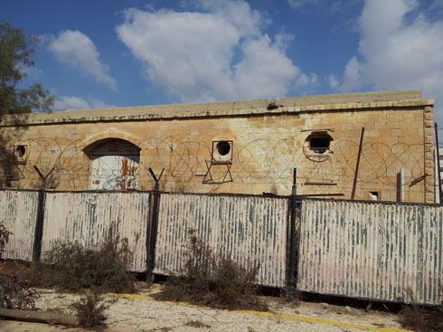 מחנה ורד. התוכנית היא להקים גם מכינה ומעונות סטודנטים (צילום: מנהל מחוז דרום מועצה לשימור אתרים)