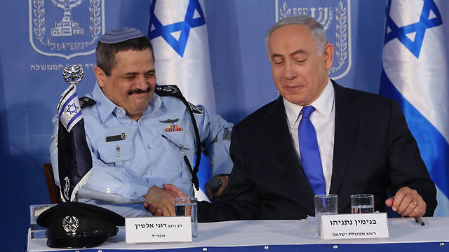 Netanyahu (R) and Alsheikh. The prime minister doesn't want us to believe the two people he appointed himself     (Photo: Gil Yohanan)