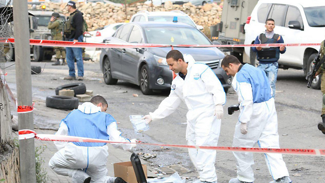 The scene of the shooting at the Hizma checkpoint (Photo: Hilel Meyer, TPS)