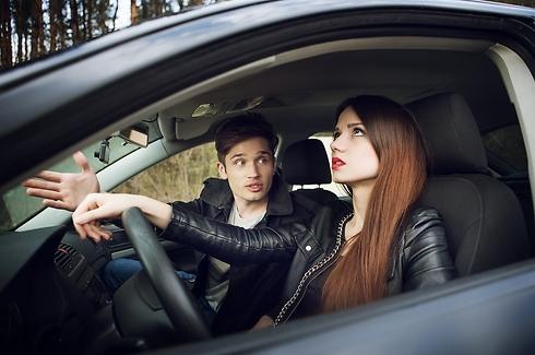 אבל אנחנו לא מאחרים, למה את שוב כועסת? (צילום: Shutterstock) (צילום: Shutterstock)