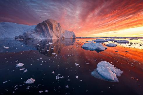 Icebergs under a 3am sunrise, Disko Bay, Greenland (Photo: Erez Marom)