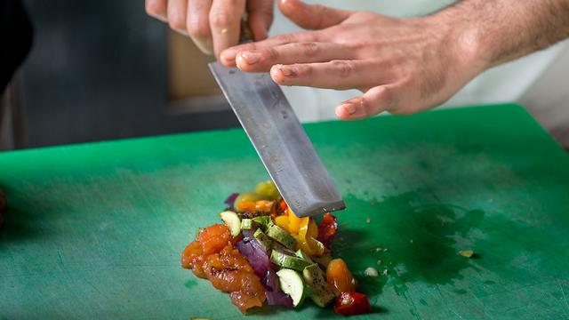 לא מספיק רק לדעת לבשל טוב (צילום: ירון ברנר)