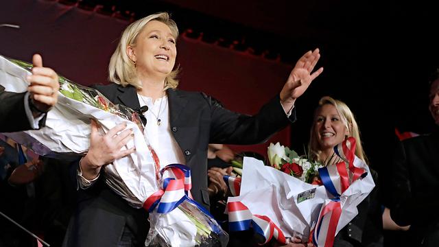 הפערים גדולים. מריון ומרין חוגגות הישג בבחירות האזוריות לפני שנתיים (צילום: AP)