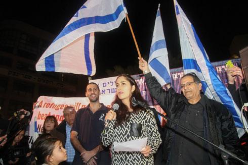 """גולן בהפגנה למען תושבי דרום תל אביב. """"לא מתחרטת על משהו שאמרתי"""" (צילום: איתי שרמר)"""