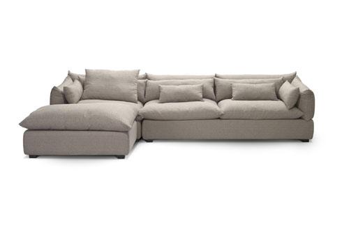 ספה פינתית אפורה, הגרסה של ''ביתילי''. 10,990 במקום 16,950 שקל (צילום: ישראל כהן)