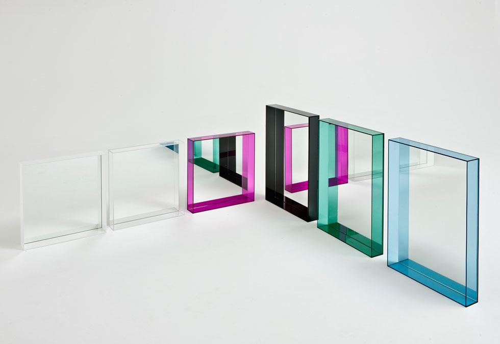 מראות בעיצוב פופי של פיליפ סטארק ל''קרטל'' נמכרות עכשיו ב''הביטאט'' ב-790 במקום אלף שקל (באדיבות הביטאט)