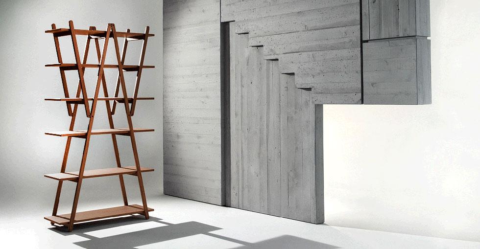 מי שמחפש אמירה עיצובית שתקפיץ את הסלון יכול עכשיו לקנות את הספרייה שעיצב ויקו מאג'יסטרטי למותג ''קאסינה'', ב-14,388 במקום 23,981 שקל (באדיבות טולמנ'ס)