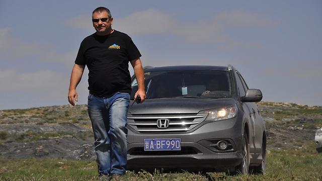אילן יגר - במסע פתיחת ציר למונגוליה התיכונה (צילום: זהר שפק ) (צילום: זהר שפק )