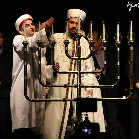 לכבוד החנוכה (צילום: באייראן קוזיר, הקהילה היהודית באיסטנבול)