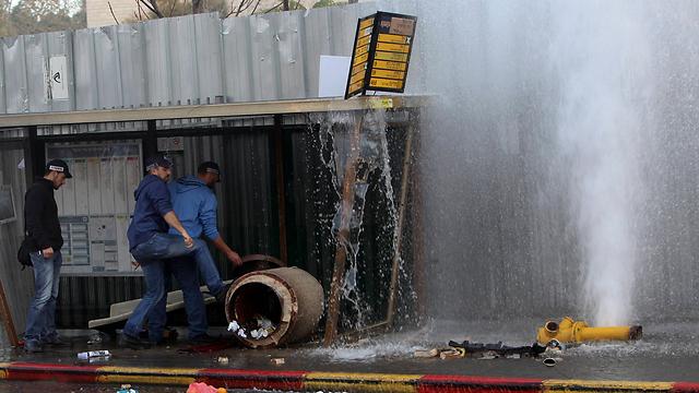 זירת פיגוע הדריסה בבירה (צילום: AP) (צילום: AP)