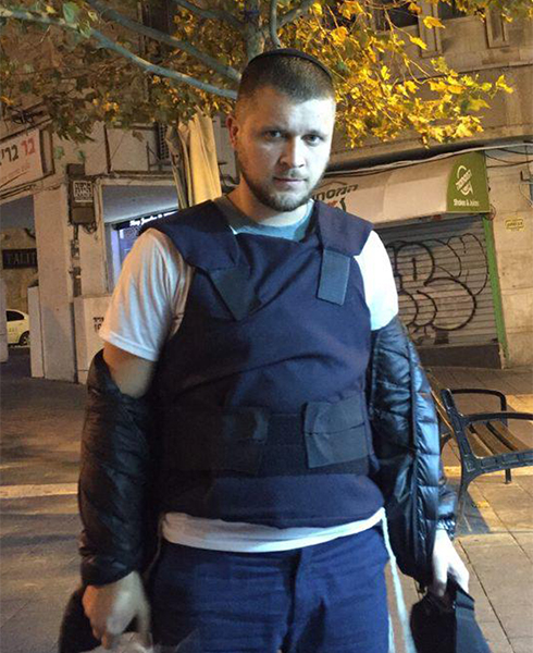 Since the terror attack in which he was wounded, Pavlovsky goes out in a bullet-proof vest