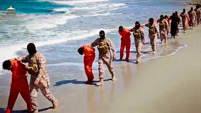 ISIS executing Coptic Christians in Libya (Photo: AP)