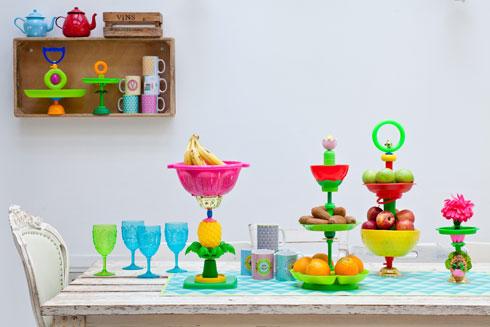 כלי הגשה מחלקי צעצועים (צילום: בועז לביא)