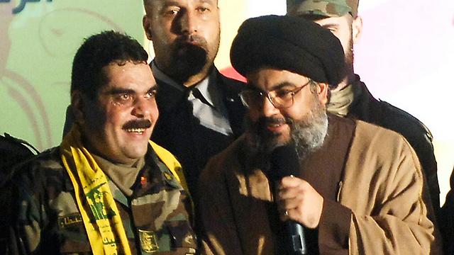 Kuntar with Hezbollah leader Nasrallah after being freed in the prisoner exchange swap in 2008 (Photo: AP) (Photo: AP)