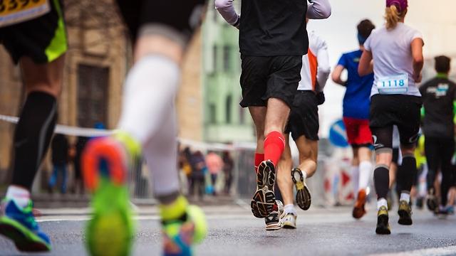 הצבת מטרה כמו מרוץ מרתון תסייע לכושר ההתמדה (צילום: sutterstock)