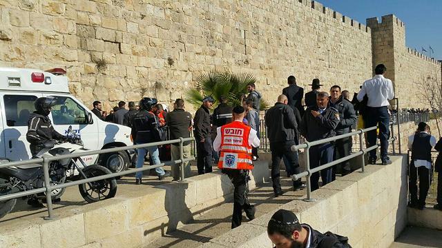 Site of stabbing attack at Jaffa Gate in Jerusalem (Photo: TPS)
