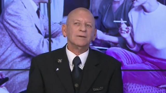 מנהל השירות ניר דגני באולפן ynet ()