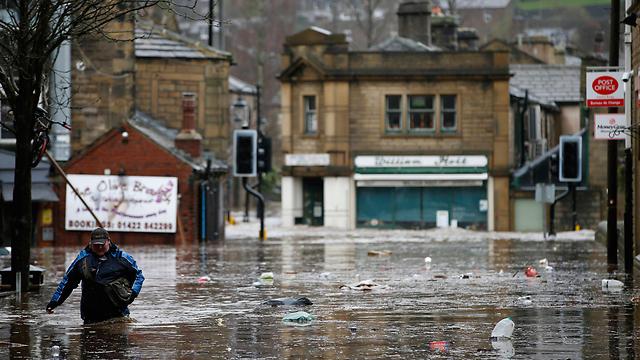 הצפות בצפון אנגליה (צילום: AP) (צילום: AP)