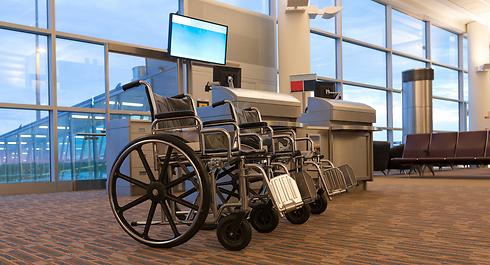 בשדות תעופה מסוימים בעולם כיסא הגלגלים עושה צ'ק אין (צילום: shutterstock) (צילום: shutterstock)