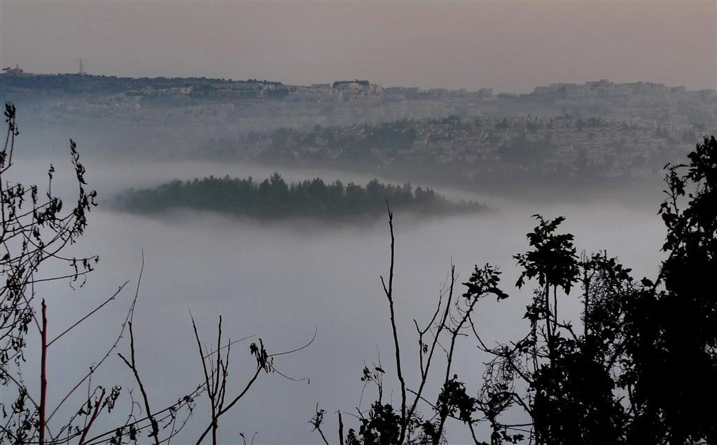 מצפה נפתוח מבעד לערפל (צילום: גיא שחר)