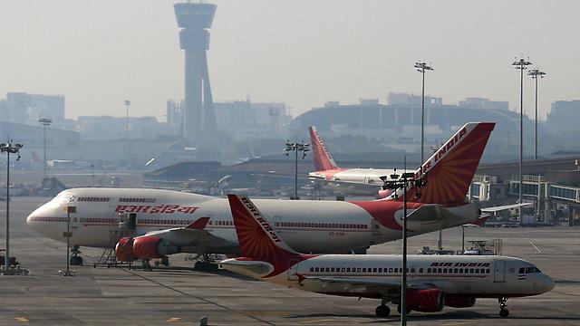 נמל התעופה במומבאי, הודו (צילום: EPA) (צילום: EPA)