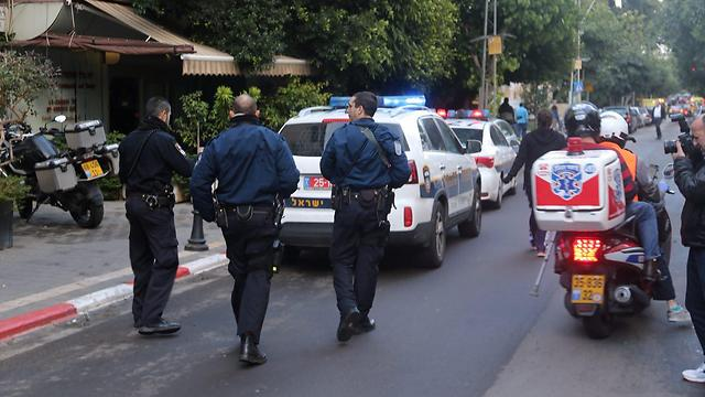 A manhunt underway in central Tel Aviv after a shooting attack that killed two (Photo: Motti Kimchi)