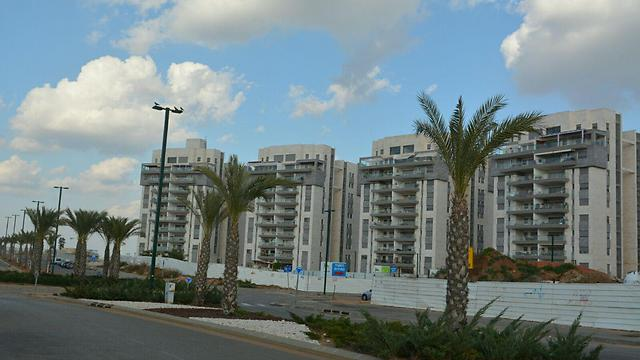 כפר יונה. מחירי דירות סבירים ביחס למרחב (צילום: ג'ורג' גינסבורג) (צילום: ג'ורג' גינסבורג)