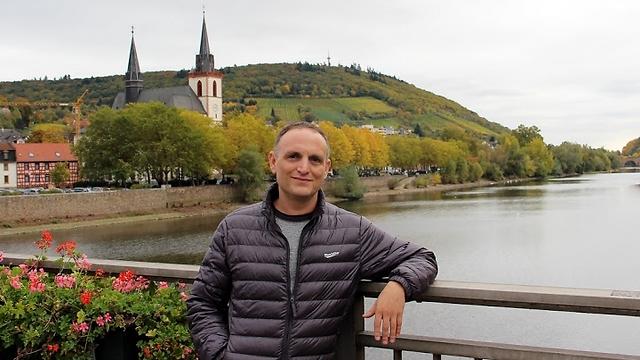 בהחלט ייתכן כי אני היהודי האחרון שחטף זץ מגדר שגרמנים דאגו לחישמולה. אסף וול (צילום: אורי וול) (צילום: אורי וול)