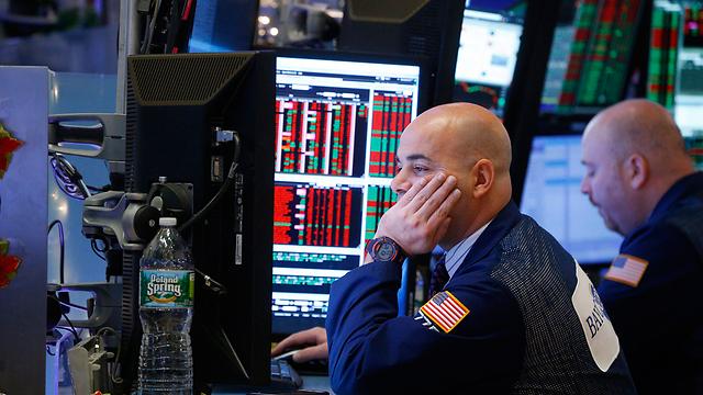 המגמה השלילית נמשכת. שבוע אדום בוול סטריט (צילום: EPA) (צילום: EPA)