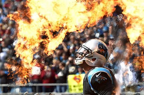 ממשיך לספוג אש. ניוטון (צילום: AP)