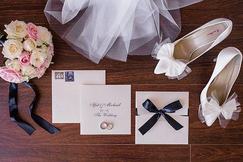 """""""החתן והכלה אוספים אקססוריז והכל מתחבר בתמונה אחת"""" (צילום: חיים אפריאט) (צילום: חיים אפריאט)"""
