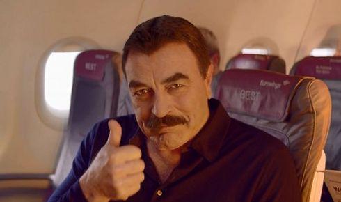 טום סלק בפרסומת של Eurowings (צילום: Eurowings)