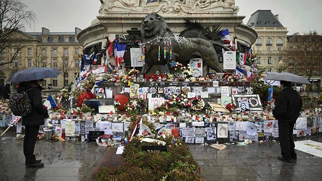 אתר זיכרון לנרצחים בשארלי הבדו (צילום: AFP)