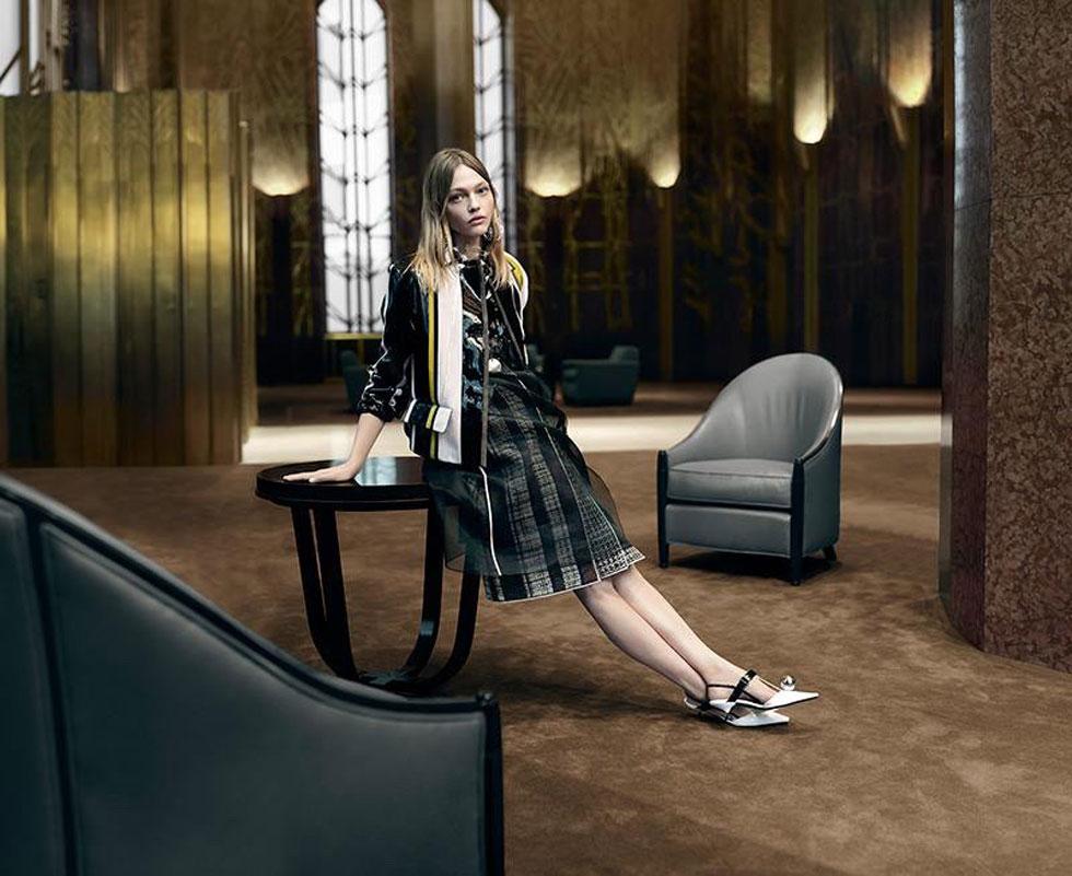 מראה רומנטי גם בתוך לובי ריק של מלון. פראדה (צילום: סטיבן מייזל)
