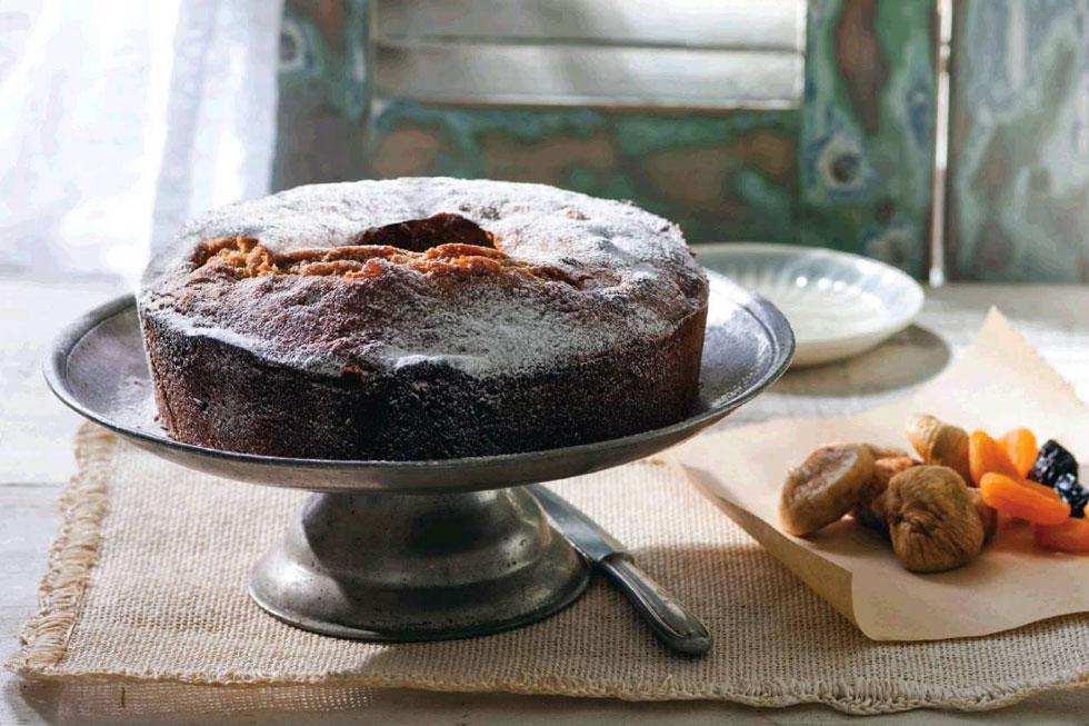 """עוגת פירות יבשים לט""""ו בשבט (צילום: דני לרנר, סגנון: חמוטל יעקובוביץ')"""