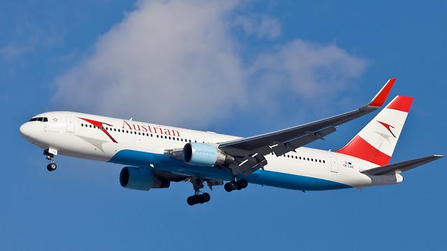 מטוס אוסטריאן איירליינס (צילום: shutterstock) (צילום: shutterstock)