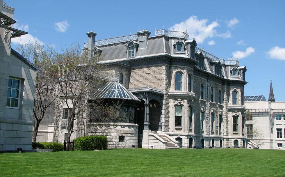 המרכז הקנדי לאדריכלות, CCA, שהקימה למברט (צילום: Stéphane Batigne, cc)