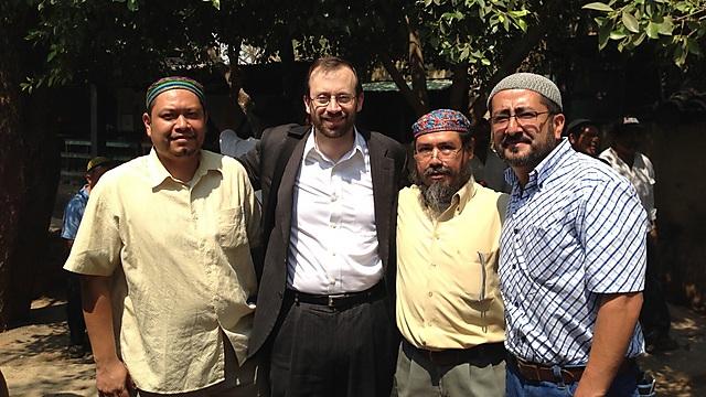 """""""אנוסים"""" בג'ונגלים של אל-סלבדור, עם הרב מיכאל פרוינד, יו""""ר ארגון """"שבי ישראל"""" - הכתובת המרכזית לבני האנוסים זה כבר 15 שנים ()"""