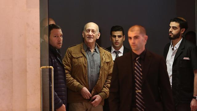 אהוד אולמרט בבית המשפט (צילום: גיל יוחנן) (צילום: גיל יוחנן)