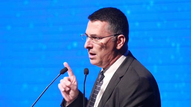 השר לשעבר גדעון סער בכנס המכון למחקרי ביטחון לאומי (צילום: מוטי קמחי) (צילום: מוטי קמחי)