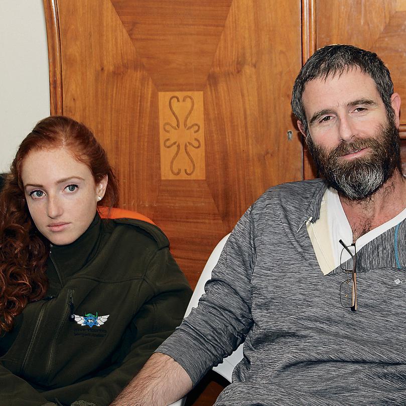 Husband Natan and daughter Renana during the shiva (Photo: Yochai Hillel)