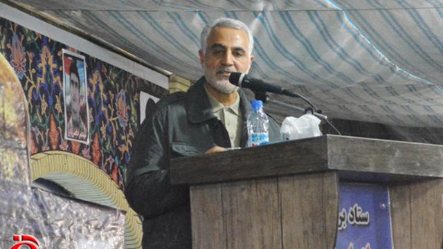 איש הצללים האיראני שאחראי להתבססות בסוריה. קאסם סולימאני ()