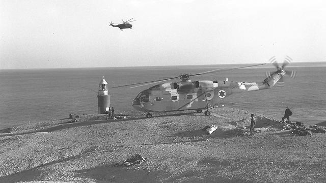 """מסוק של חיל האוויר באי שדואן (צילום: משה מילנר, לע""""מ) (צילום: משה מילנר, לע"""