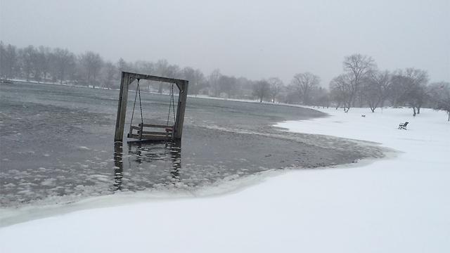 אגם קפוא ברוצ'סטר ניו יורק (צילום: קרן נול) (צילום: קרן נול)